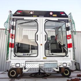 Cabine pour véhicule d'inspection de voies ferrées